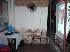 Behind the screen (vdquynh) Tags: vietnam ubuntu releaseparty hanoilug