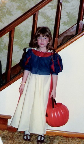 Snow White Maggie