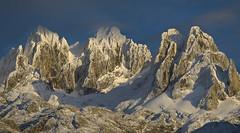 Atardecer en el Cornin (jtsoft) Tags: mountains landscape asturias olympus nubes alpenglow picosdeeuropa e510 amieva zd50200mm jtsoftorg torredeenmedio torredelahorcada