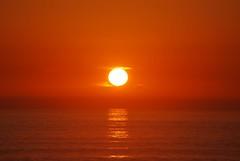 Pr-do-sol (by Deva) Tags: ocean sunset sky costa praia beach portugal de mar prdosol caparica perfectsunsetssunrisesandskys rotrossorougerood