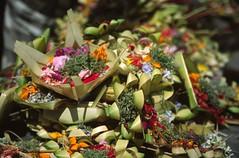 Ubud (Indonesia) - Offerings in Balinese temple ( V ) Tags: bali indonesia asia southeastasia offerings bananaleaf 5photosaday beautifulbali ilobsterit