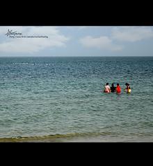 "38\365 Bnaider ;* (""Anwaar) Tags: blue girls sea white art beach boys weather birds kids canon children fly flying photo sad gulf sweet outdoor shore feeling kuwait arabian q8 bnaider sadfeeling 38365 400d mywinners"
