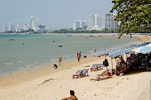 Pattaya Beach by e_grava.