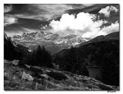 Cielo Nuvoloso Nero (Mizarin) Tags: white mountain black landscape nuvole barbara montagna bianco nero paesaggio bassi mizarin