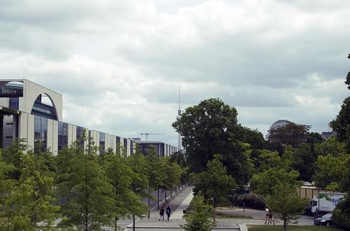 Kanzlergarten in Berlin and around