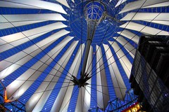 Berlin, Sony Center (Tobi_2008) Tags: roof berlin germany deutschland sonycenter dach allemagne soe germania blueribbonwinner abigfave superbmasterpiece theunforgettablepictures colourartaward theperfectphotographer