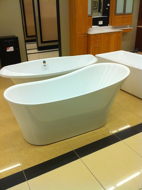 Tub Shopping at Tubs