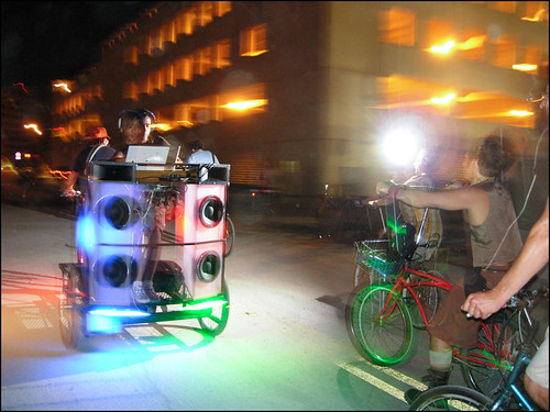 the rickshaw DJ manny brung the noise
