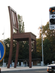 The broken chair in Place des Nations, Geneva to symbolize the fight against anti-personnel landmines (jespahjoy) Tags: geneva placedesnations