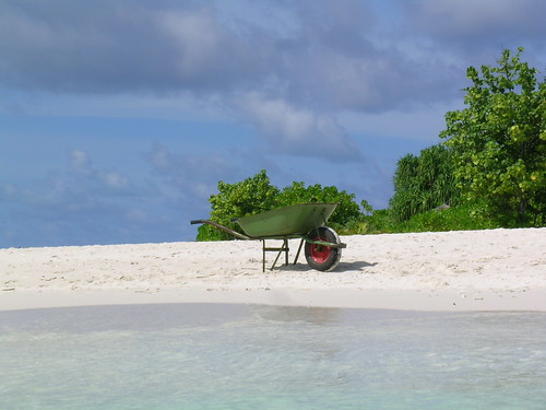 Paradisáca y solitaria playa en Maldivas