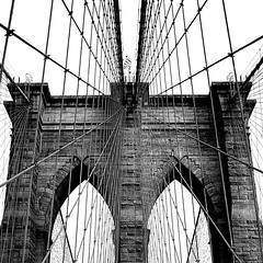 Brooklin Bridge (miguel valle de figueiredo) Tags: nyc newyorkcity bw usa ny newyork architecture brooklyn us blackwhite arquitectura bridges engineering pb pontes breathtaking pretobranco novaiorque 333views engenharia 10faves 35faves 25faves aplusphoto goldstaraward usofaestadosunidosdaamrica