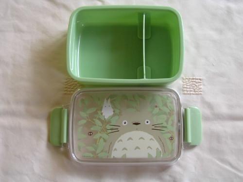 Totoro container