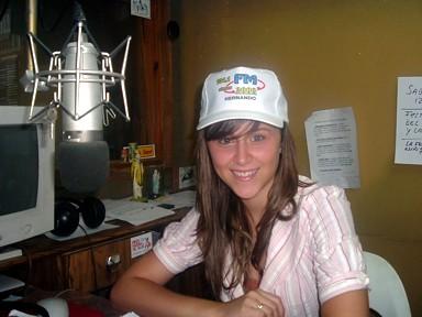 Evelyn Boehler -52º Reina Nacional del Maní- en los estudios de FM2000
