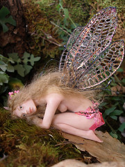 #63 Iris ~ Resting Fairy (Nenfar Blanco) Tags: sculpture art insect wings doll oneofakind ooak polymerclay fairy fantasy faerie hada fae nenufarblanco