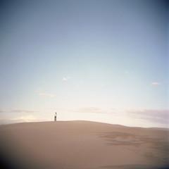 holga matthieu (lolitanie) Tags: 120 film portraits mediumformat holga sand friend kodak dunes matthieu portra 160nc cfn moyenformat lolitanie jmluneau formatmoyen råbjergmille