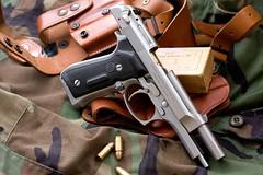 Beretta 92FS (tevensso) Tags: canon gun may pistol 2008 onyx stainless ctc 9mm beretta m9 92fs galco eos40d