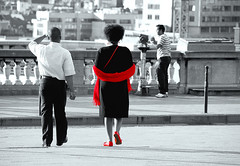...and her red shoes (march25/AnnaZ) Tags: light shadow red brussels white black nikon belgium lumire candid hl havingfun streetshot selectivecolour themoulinrouge annaz d80 anawesomeshot infinestyle thegardenofzen aphotosessionwithmarckfrombelgiumofcourse copyrightedallrightsreserved