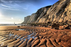 Looking West (Linda Cronin) Tags: sea sky lighthouse beach sussex coast chalk sand cliffs shore soe hdr beachyhead takeabow gamewinner cy2 challengeyouwinner 3waychallengewinner cowgap anawesomeshot diamondclassphotographer flickrdiamond 15challengeswinner motifdchallengewinner theunforgettablepictures overtheexcellence betterthangood proudshopper friendlycomments chosenchallengers absolutelystunningscape rubyphotographer sussextreasures pregamewinner