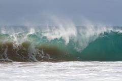 Cacimba do Padre (Celso Kuwajima) Tags: praia canon eos mar 7d fernandodenoronha onda ef70200mmf4lisusm