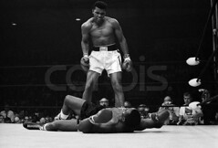 Muhammad Ali Taunting Sonny Liston.jpg (jotachito2003) Tags: people usa men sports photography boxers maine champion newengland competition victory northamerica africanamericans americans blacks males prominentpersons celebrities strength posture reclining athletes aggression adults powerful defeat challenge photographing lewiston muhammadali blackandwhitephotography lyingdown boxingmatch boxingring midadult midadultman sportsevent 2andgroup sonnyliston heavyweightboxer androscoggincounty alivsliston1965 centralmaineyouthcenter