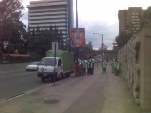 Retirando Campaña Politica en Ciudad de Guatemala