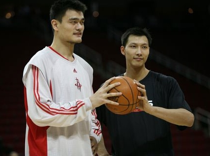 Yao Ming and Yi Jianlian faced each other for the first time in an NBA game on Friday night in Houston.  Yao got the better of his protege, leding the Rockets to a 104-88 win over Yi's Milwaukee Bucks.