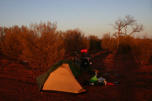 My morning bush camp south of Cooper Pedy.