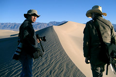(magnifik 2.0) Tags: california deathvalley mesquitesanddunes caughtinaction magnifik magnifikstudio magnifikstudiocom