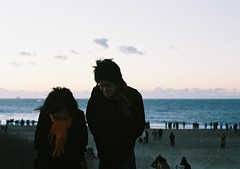 (bobby stokes) Tags: sun film beach japan sunrise dawn natura newyear 1600 analogue hatsuhinode  fujicolor fujicolornatura1600
