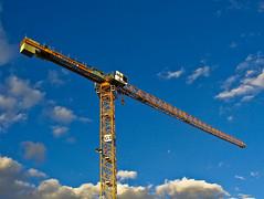 Head In The Clouds (mouzhik) Tags: apple canon macintosh is construction mac nanterre crane baustelle ixus g3 800 kran grue chantier zemzem muzhik mujik baukran  moujik 6fvrier2008 mouzhik