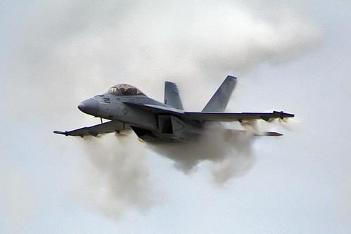 Fighter Airplane picture - A VFA-106 F/A-18 ( F-18) Super Hornet