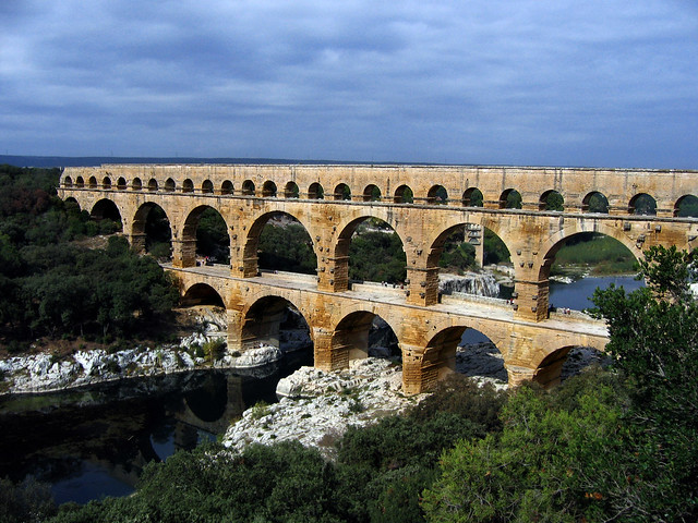 Pont du Gard, water systems