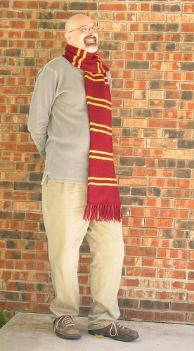 Hubby wearing the Gryfindor Scarf