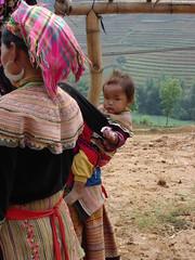sapa baby (Caio Estudio Manus) Tags: china asia border vietnam tai ethnic sapa hmong vietn etnias laocao