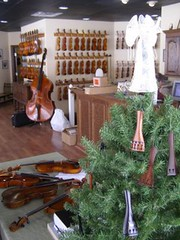 Violin+Tailpiece+Tree+Ornament
