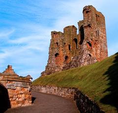 castle (Windless) Tags: castle coast yorkshire ruin east scarborough supershot