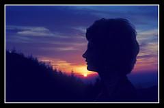 Perfil en puesta de sol (Luis M) Tags: sunset portrait retrato puestadesol coucherdesoleil marinieves