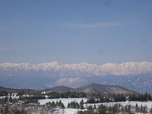 山は遠くから眺めているから美しいの。施設の話も、他人事だから聞けるの。