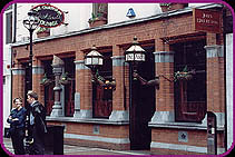 Nearys Select Bar - Dublin - Ireland (ratemypub) Tags: ireland dublin bar europe 10 5 87 select nearys dermo 5655 dermurtagheircomnet
