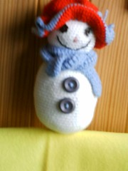 great snowman's girl friend (chat&laine) Tags: christmas snow hat snowman crochet noel chapeau neige bonhomme