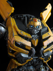 Dark of the Moon : Leader Class Bumblebee (close up face) (frenzy_rumble) Tags: camera matrix transformer evil icestorm hook custom commission fr sunstorm autobot reflector spyglass scavenger viewfinder mixmaster decepticon scrapper lacquer kitbash devastator pretender longhaul bonecrusher spectro combiner enamels thunderwing houseofkolors frenzyrumble frenzyrumblecom procustomizers peaugh seekershockwave