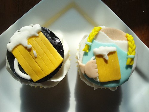 5744736171 276286873c Alcohol Themed Cupcakes with Beer, Wine, Champagne and Cocktail Ideas