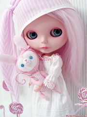 Merrywink (Ragazza*) Tags: pink bunny candy sleep dream mohair pastels peppermint airbrush ebl handmadetoys handmadeoutfit blythestudio customblythedoll