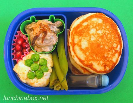 Frozen mini pancake lunches
