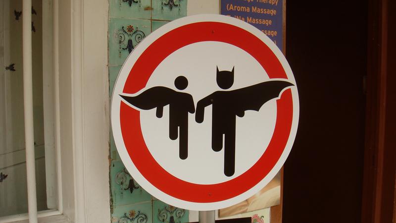 Letrero de tránsito Batman y Robin