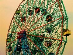 wonder wheel (alternativefocus) Tags: nyc newyork coneyisland pentax fairground ferriswheel funfair wonderwheel pentaxk10d diamondclassphotographer trashbit alternativefocus