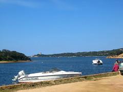 Départ du port de Figari en RG de la baie