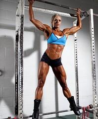 kaslı vücutlar seksi bacak Kaslı kadın vücudu