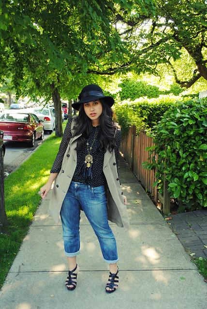 sidewalk pose