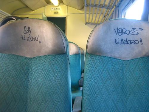 Italian love seats